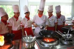 为什么说高中生来邯郸新东方烹饪学校学西点是来对地方了?