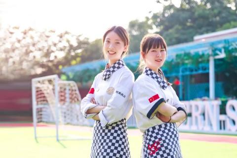 女孩子报读邯郸新东方烹饪学校,让你未来大放异彩!